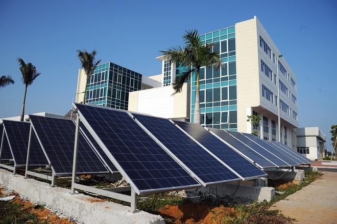 Từ 1/6: Giá bán điện mặt trời là 9,35 cents/kWh