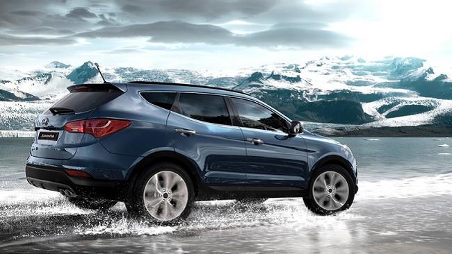 Xe Hyundai Santa Fe giảm giá 212 triệu đồng, đối đầu Honda CRV nhập khẩu