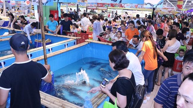 Big C tổ chức tuần lễ cá sông Đà Hà Nội 2018
