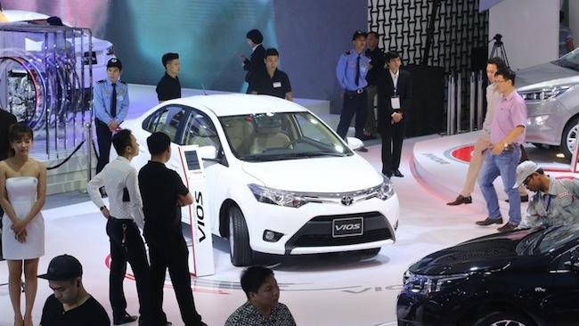 Thiếu vắng Fortuner, doanh số bán ô tô của Toyota tụt dốc