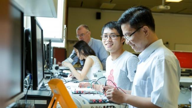 Việt Nam thiếu 100.000 nhân sự IT trong năm tới dù trả lương khủng
