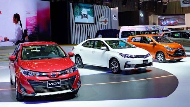 Thị trường ô tô ảm đạm dù giảm giá sâu