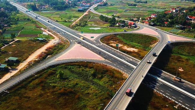 Hạ tầng đột phá hút nhà đầu tư đến Quảng Ninh