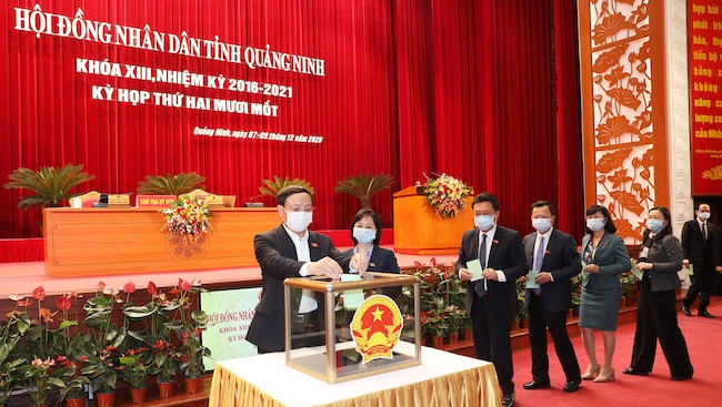 HĐND tỉnh Quảng Ninh thông qua 27 nghị quyết quan trọng