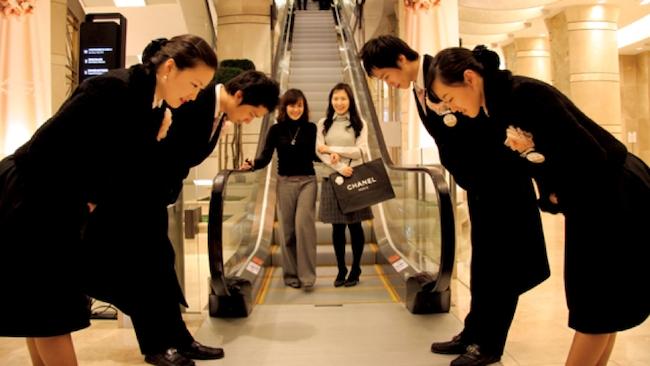 Chăm sóc khách hàng kiểu Nhật thời dịch bệnh