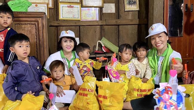 Hội nữ doanh nhân Bình Định lan tỏa tình yêu và sự tử tế mùa trung thu