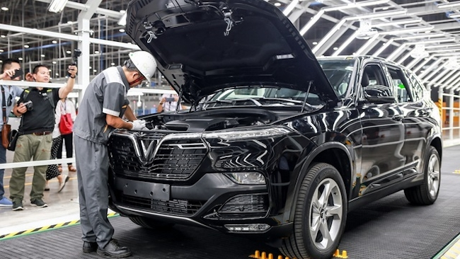 Thị trường ô tô sôi động tháng cuối năm 2020