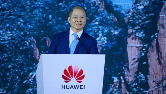 Cách Huawei vượt khủng hoảng