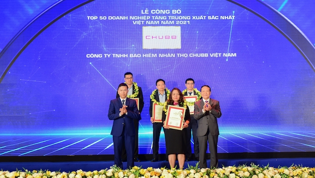 Chubb Life nhận hai giải thưởng lớn của Vietnam Report