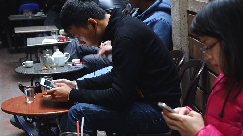 """Các nhà kinh doanh tại Việt Nam ngày càng """"đắm đuối"""" với Facebook"""