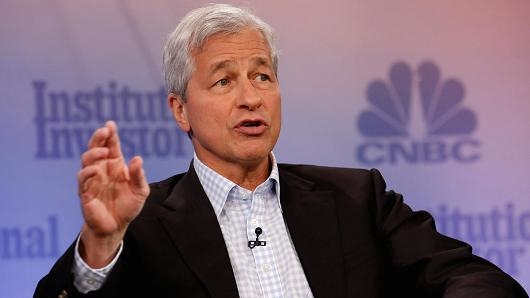 """CEO JPMorgan Chase """"lấy làm tiếc"""" khi gọi Bitcoin là trò gian lận và thừa nhận blockchain"""