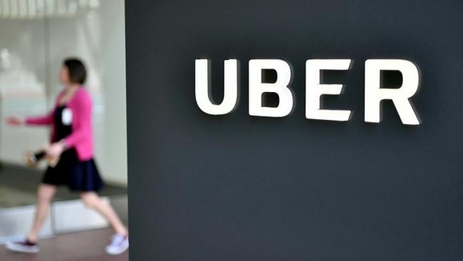 Bán mình ở Đông Nam Á, Uber tiếp tục gặp khó tại châu Âu