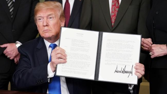 Ông Trump lật kèo, quyết định áp lệnh trừng phạt thương mại lên Trung Quốc