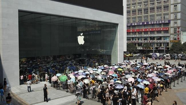 Cớ chiến tranh thương mại của ông Trump 'mắc cạn' vì Apple