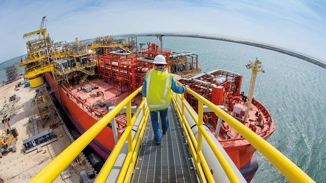 Giá dầu gần đạt đỉnh 6 tháng sau quyết định siết trừng phạt Iran