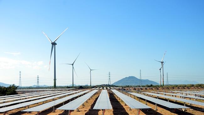 Chi phí công nghệ năng lượng tái tạo giảm xuống mức thấp kỷ lục