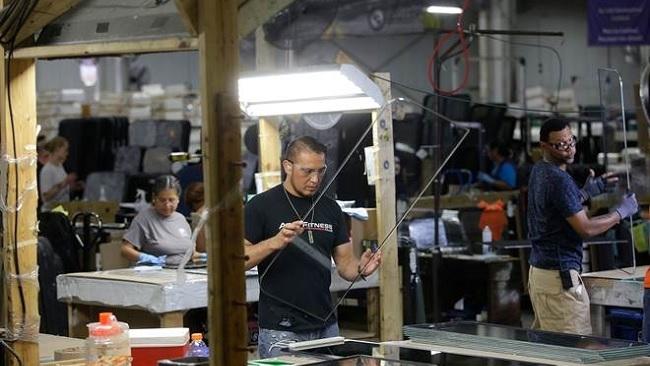 Thất nghiệp tại Mỹ thấp nhất 50 năm, thách thức chiến tranh thương mại và Fed