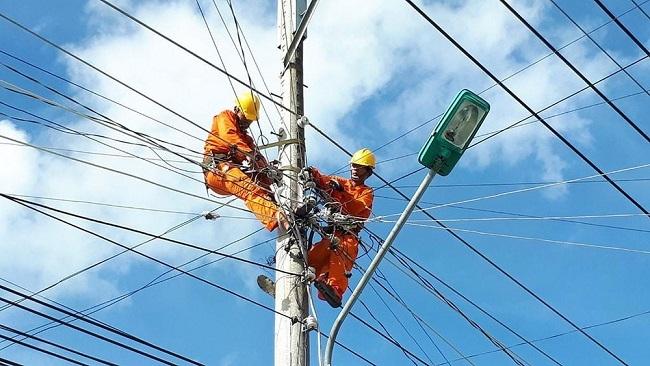 Cảnh báo thiếu điện vì nhiều dự án chậm tiến độ