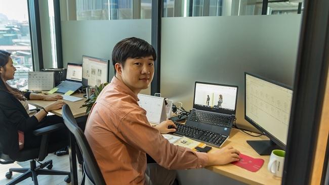 Vì sao nhiều người nước ngoài chọn Việt Nam để sống và làm việc?