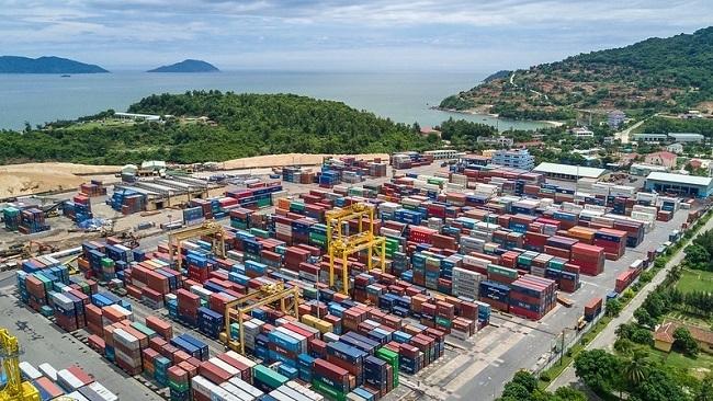 Fitch Ratings dự báo GDP Việt Nam chỉ tăng trưởng 3,3%