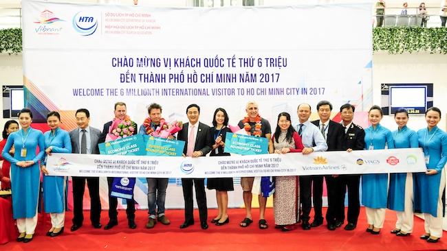 TP.HCM và Vietnam Airlines đẩy mạnh phát triển du lịch