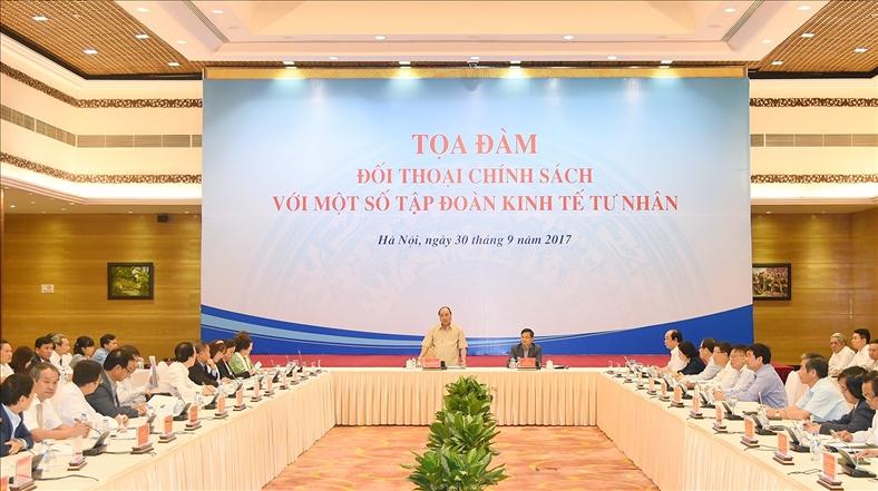Lãnh đạo 14 tập đoàn tư nhân đối thoại với Thủ tướng
