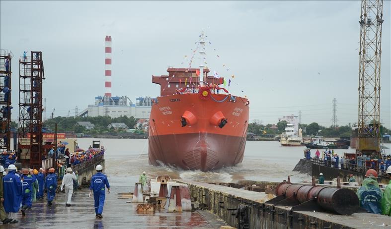 SBIC hạ thuỷ tàu chở dầu đầu tiên sau 6 năm đình trệ