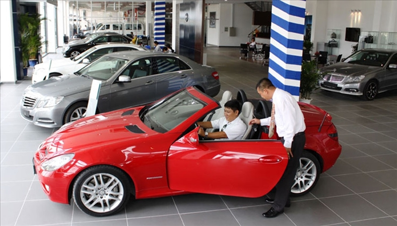Thuế nhập khẩu tăng hàng nghìn USD, xe cũ ''khó đường về''
