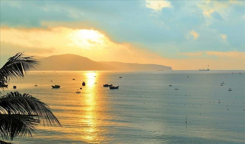 Bình Định dẫn đầu về mức tăng doanh thu dịch vụ lưu trú và ăn uống