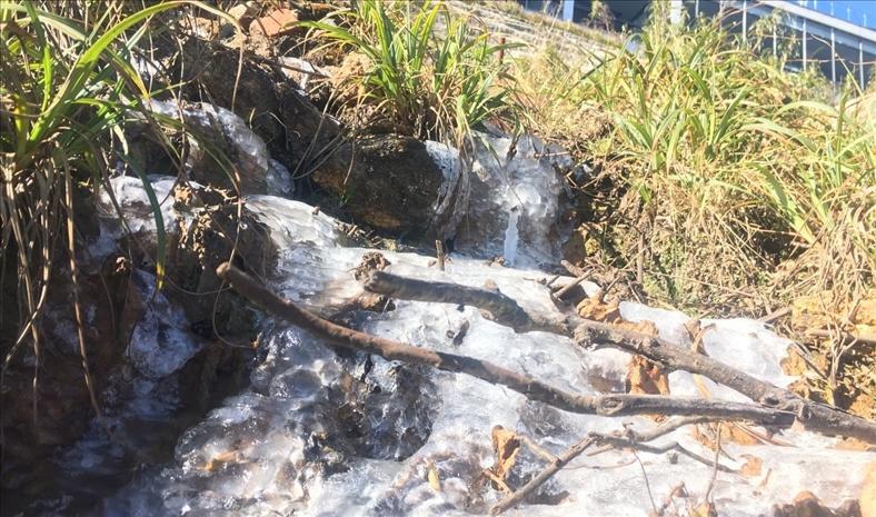 Suối băng xuất hiện trên đỉnh Fansipan