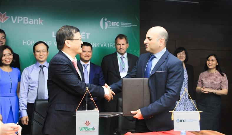 IFC trao giải thưởng cho VPBank sau 2 năm triển khai GTFP