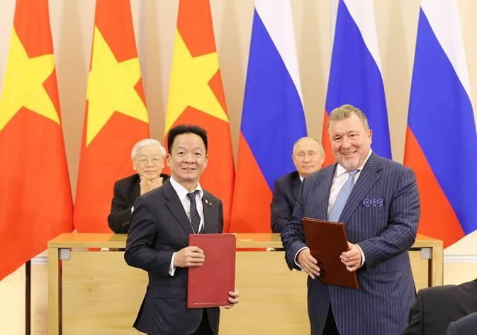 SHB hợp tác chiến lược với 2 định chế tài chính quốc tế tại Nga