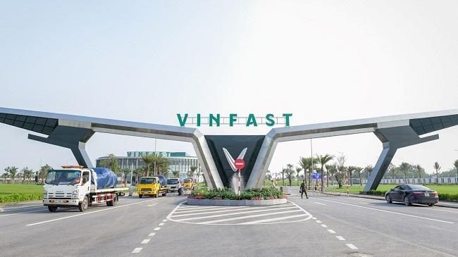 Vingroup lập ra VinBus dùng xe VinFast chở khách