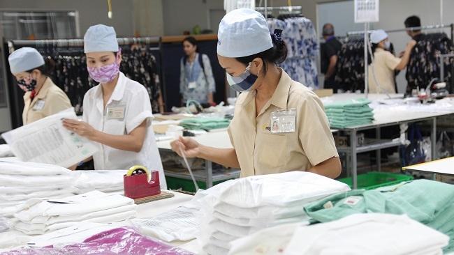 Thị trường lao động cạnh tranh khốc liệt do nguồn cung lớn