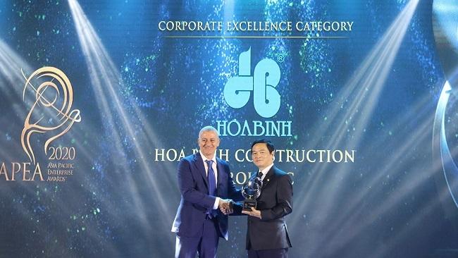 Tập đoàn Hòa Bình nhận giải doanh nghiệp xuất sắc châu Á và nơi làm việc tốt nhất