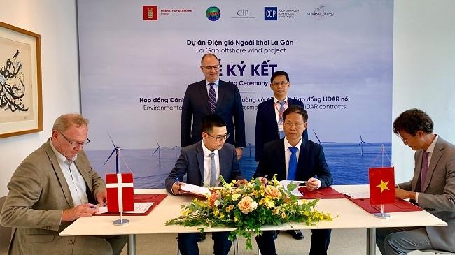 Ký hợp đồng khảo sát dự án điện gió 10 tỷ USD