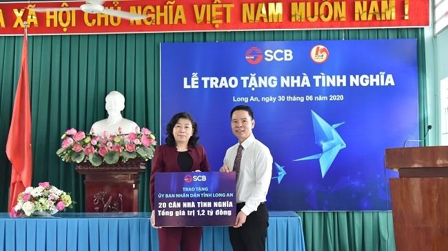 SCB ủng hộ xây dựng 20 nhà ở cho gia đình khó khăn tỉnh Long An