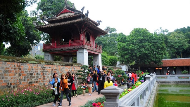 Chưa đủ hút khách du lịch, Hà Nội chủ yếu là điểm trung chuyển