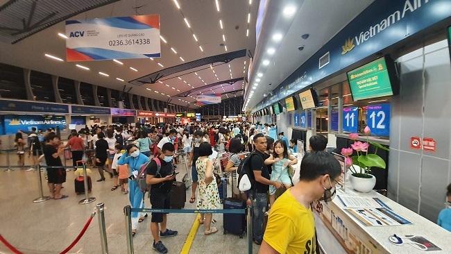 Cục Hàng không yêu cầu ba hãng bay dừng bán vé vượt slot dịp Tết
