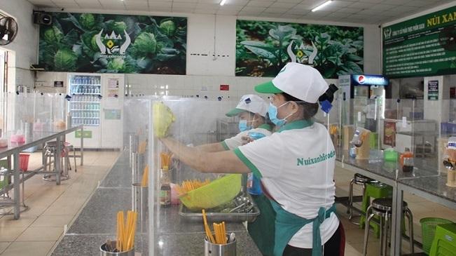 Ăn uống tại chỗ, xe buýt, taxi tại Hà Nội được khôi phục từ ngày 14/10