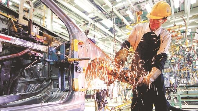 Ba đột phá chiến lược trong phát triển kinh tế Việt Nam 10 năm tới