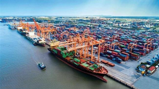 """VASEP kiến nghị TP.HCM hoãn thu phí hạ tầng cảng biển tránh """"phí chồng phí"""""""