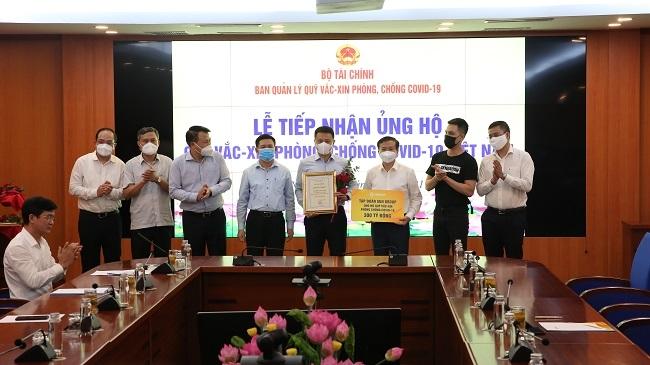 Sun Group ủng hộ 320 tỷ đồng cho Quỹ vắc-xin phòng Covid-19