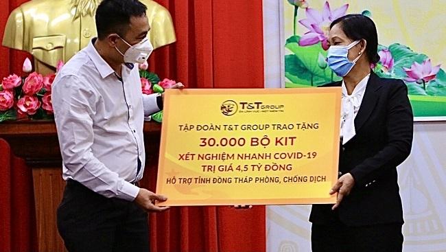 T&T Group tặng 140.000 bộ kit test nhanh hỗ trợ các tỉnh phía Nam