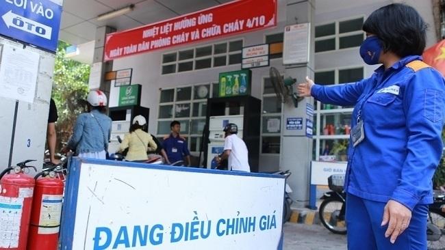 Giá xăng dầu tiếp tục tăng mạnh từ chiều 25/9