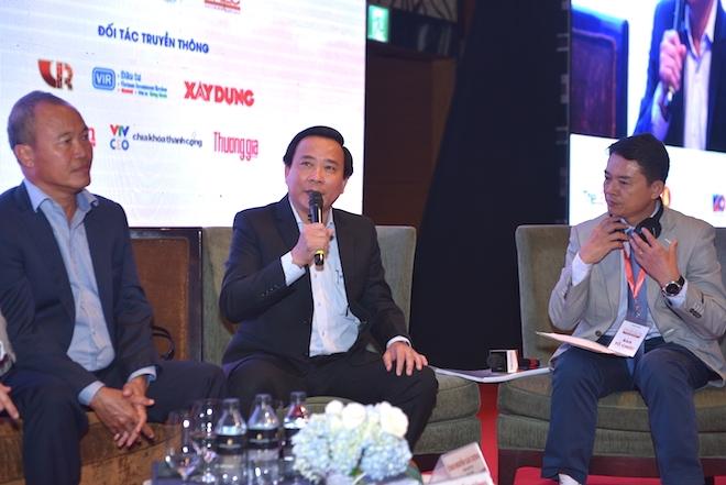 Ông Trần Quốc Dũng - Phó tổng giám đốc Hưng Thịnh Corp trả lời câu hỏi tại Tọa đàm