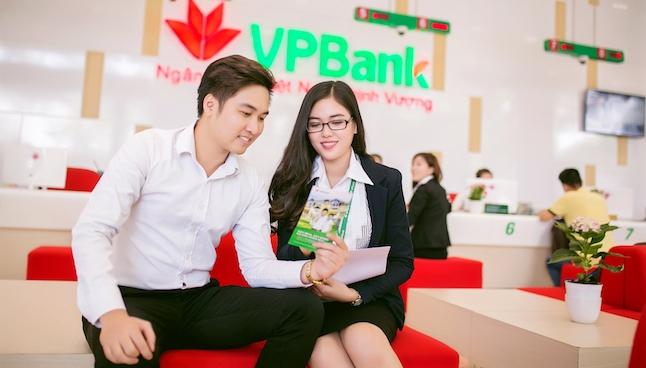 Cuộc 'soán ngôi' 10.000 tỷ của Techcombank, VPBank