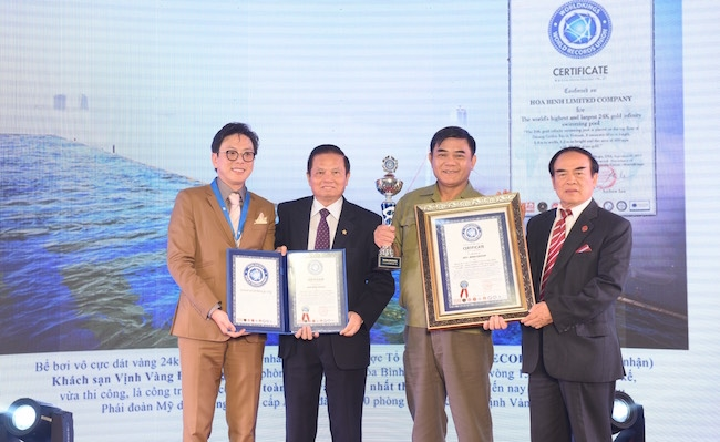 Xác lập kỷ lục cho khách sạn dát vàng ở Hà Nội