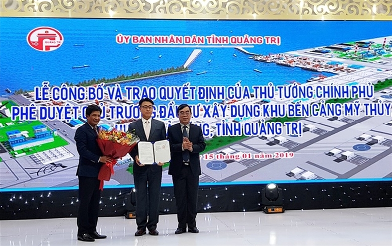Dấu hiệu lạ ở dự án cảng biển 14.000 tỷ tại Quảng Trị
