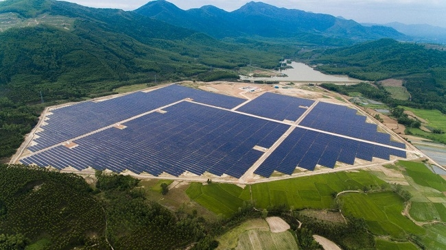 Nhiều dự án điện gió và điện mặt trời gặp khó
